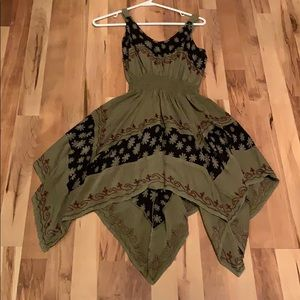 Green dress with black pattern